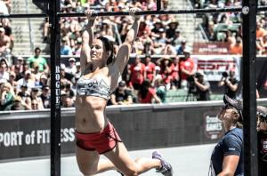 butterfly-kipping-pull-ups-technique-trojan-crossfit-wod-la-vida-loca-3-rounds-for-time-shuttle-sprints-running-turf-track-deadlifts-burpee-box-jumps-chest-to-bar-pullups-c2b